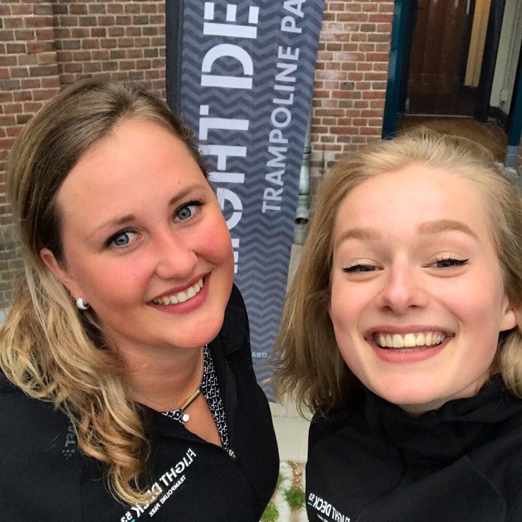 Flight Crew Jacqueline Kouer en Charlotte Broers