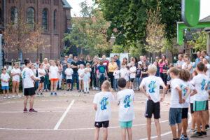 HipHop dans workshop tijdens Flight Camp zomer dagkamp van Flight Deck 53 trampolinepark Hilversum in de Clemenskerk
