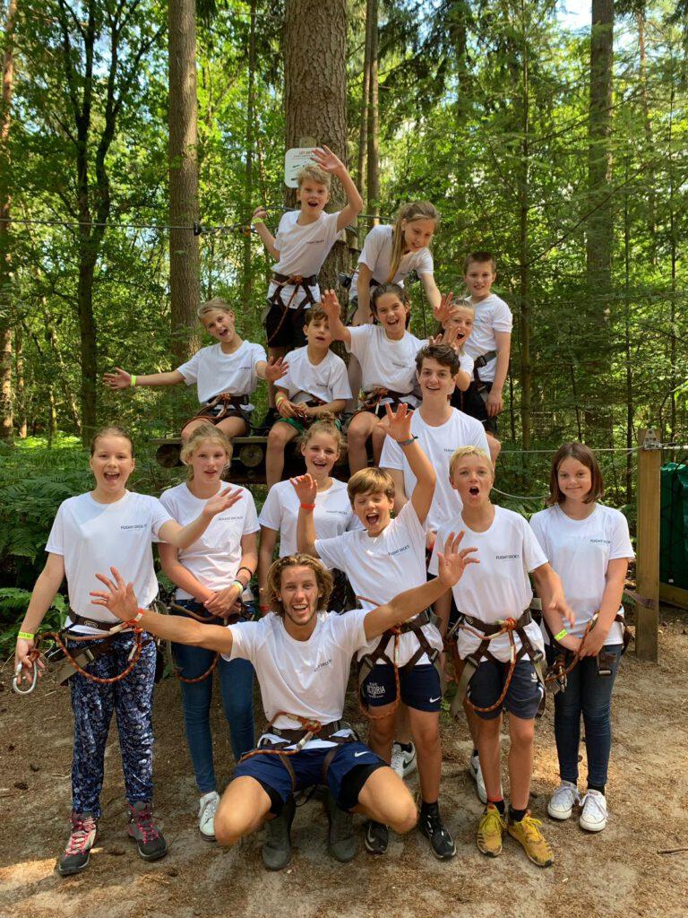 Flight Camp uitje van Flight Deck 53 trampolinepark in Hilversum naar het klimbos met Victor van Loenen